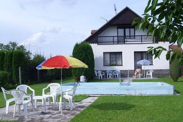 Chaty a chalupy s bazénem - jižní Čechy
