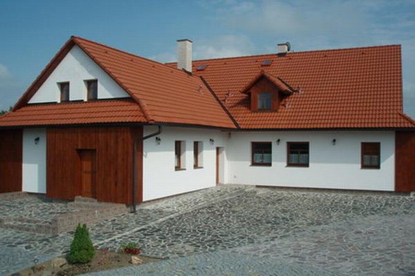 Východní Čechy - Chalupa u Hlinska ve východních Čechách - pohled zvenku