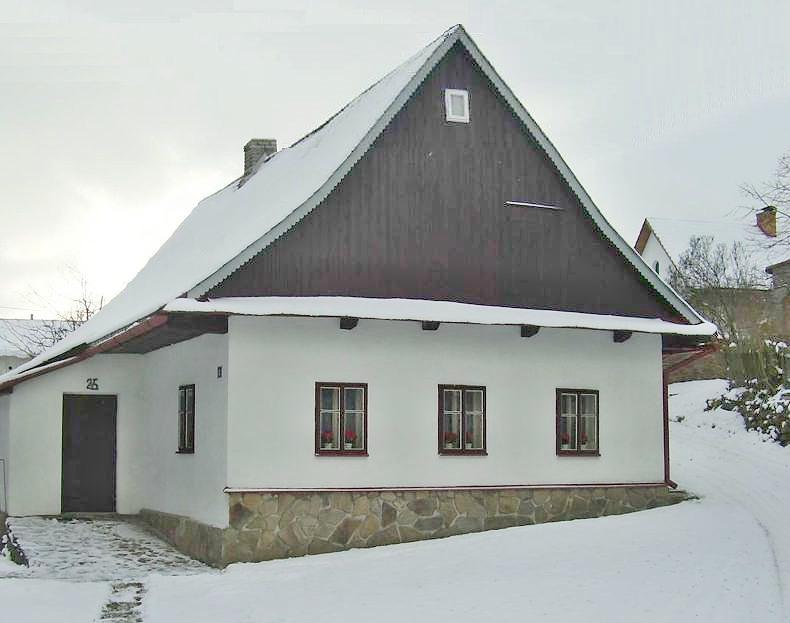 Chaty a chalupy k pronajmutí - Chalupa ve Sněžném - pohled zvenku
