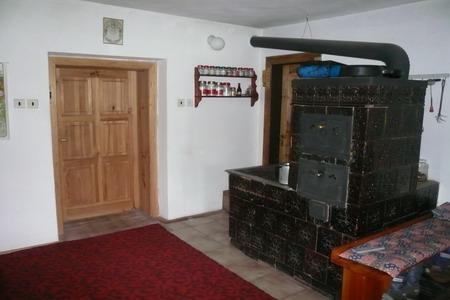 Chaty a chalupy - Chalupa v Horní Radechové - společenská místnost