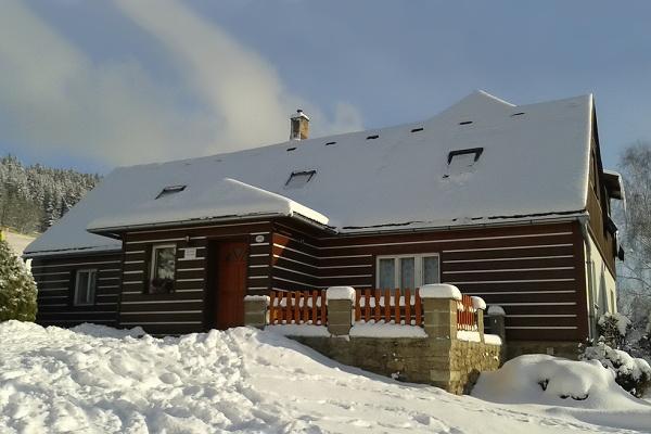 Ubytování - Jizerské hory - Apartmán v Albrechticích - pohled zvenku