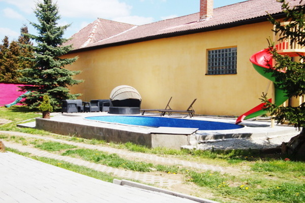 Chalupy s bazénem v jižních Čechách