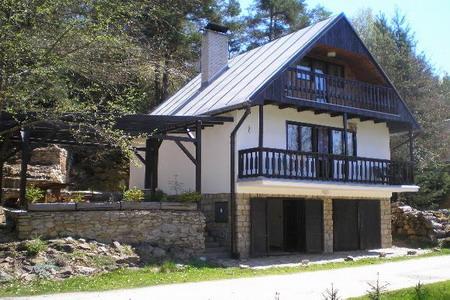 Chata u řeky Dyje v České Kanadě v jižních Čechách