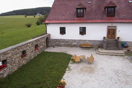 Penziony Šumava - Penzion v Novém Dvoře - dvůr