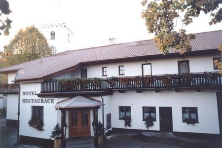 Hotel v Petrovicích na Šumavě