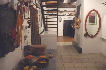 Agroturistika - venkovská turistika - Ekofarma v Podlesí v Jeseníkách - stylová chodba farmy