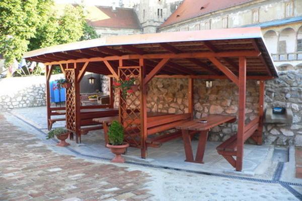Jižní Morava - penziony - Penzion v Břeclavi - venkovní posezení