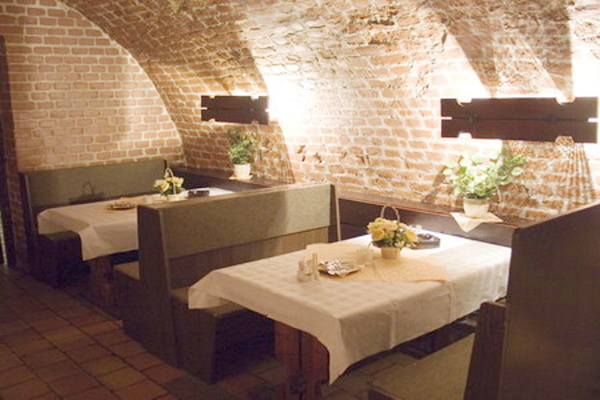 Penziony jižní Morava - Penzion v Břeclavi - vinárna
