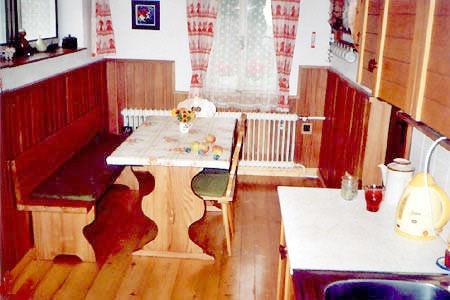 Chaty a chalupy k pronajmutí - Chalupa ve Sněžném - kuchyň